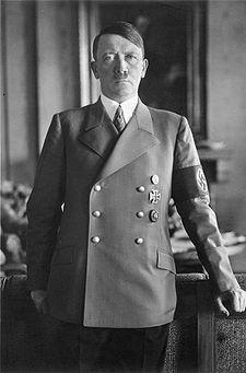 Adolf Hitler (1889-1945) en 1938 (foto wikipedia)