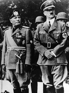 Benito Mussolini y Adolf Hitler en una visita oficial en Munich, 1937 (foto wikipedia)