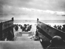 Desembarco de Normandía, Omaha Beach, 6-6-1944 (foto de Robert F. Sargent, wikipedia)