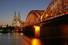 El Rin a su paso por Colonia (fuente de la foto: wikipedia)