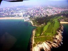 Santander, Cabo Menor, 11-6-2007 (foto de Maria Victoria Gomez Fernandez, wikipedia)