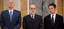 De izquierda a derecha: Paulson, Bernanke y Geithner
