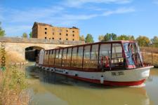 Canal de Castilla: barco Antonio de Ulloa (foto Eco-Viaje)
